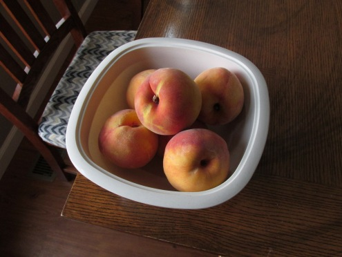 Peaches in a bowl